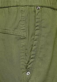 Hose in Loose Fit smoky green