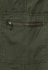 Loose Fit Shorts in Unifarbe utility olive